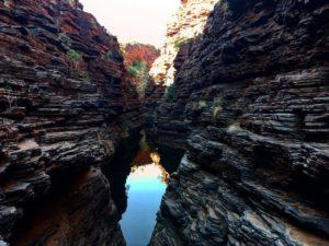 Karijini  Karijini National Park,  . . . #karijini #karijininationalpark #roadtrip #wa #westernaustralia #australia #justanotherdayinwa #friends #instagram #instaphoto #instagramer #instatravel #travel #traveller #traveling #travelblog #blog #blogger #bloggerlife #travelingram #traveling #nomad #nomade #nomadlife #backpacker #backpackerlife #livingthedream #unavueltaporeluniverso