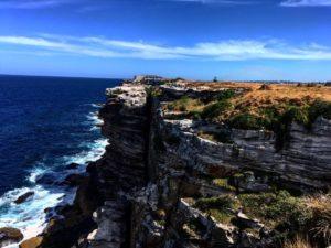 Esos acantilados ❤️ Bondi Beach,  . . . #bondibeach #sydney #australia #oceania #instagram #instaphoto #instagramer #instatravel #travel #traveller #traveling #travelingram #travelingtheworld #unavueltaporeluniverso #nomad #nomade #nomadlife #vidanomade #backpacker #backpackerlife #mochilero