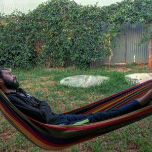 El patio de  ✌ .  Margaret River,  . . #elizabethstreet #margaretriver #southwest #wa #westernaustralia #australia #instagram #instatravel #travel #traveller #traveling #travelingram #livingthedream #unavueltaporeluniverso #nomad #nomadlife #vidanomade #mochila #mochileros #backpacker #backpackerlife