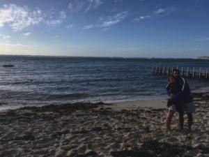 Las tardes de Margs ✌ .  Gnarabup,  . . #gnarabup #wa #southwest #westernaustralia #australia #instagram #instatravel #travel #traveling #unavueltaporeluniverso #livingthedream #nomad #nomadlife #vidanomade #backpacker #backpackerlife #mochilero