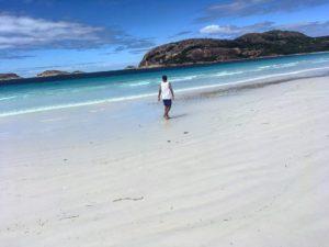 Un dia nuevo. Un paraiso nuevo. Asi vale la pena vivir  .  Lucky Bay,  . . . . #van #vanlife #unavueltaporeluniverso #luckybay #capelegrand #capelegrandnationalpark #wa #westernaustralia #australia #instagram #instatravel #travel #traveling #travelingram #tavelingtheworld #backpacker #backpackerlife #nomad #nomadlife #vidanomade #roadtrip #waroadtrip