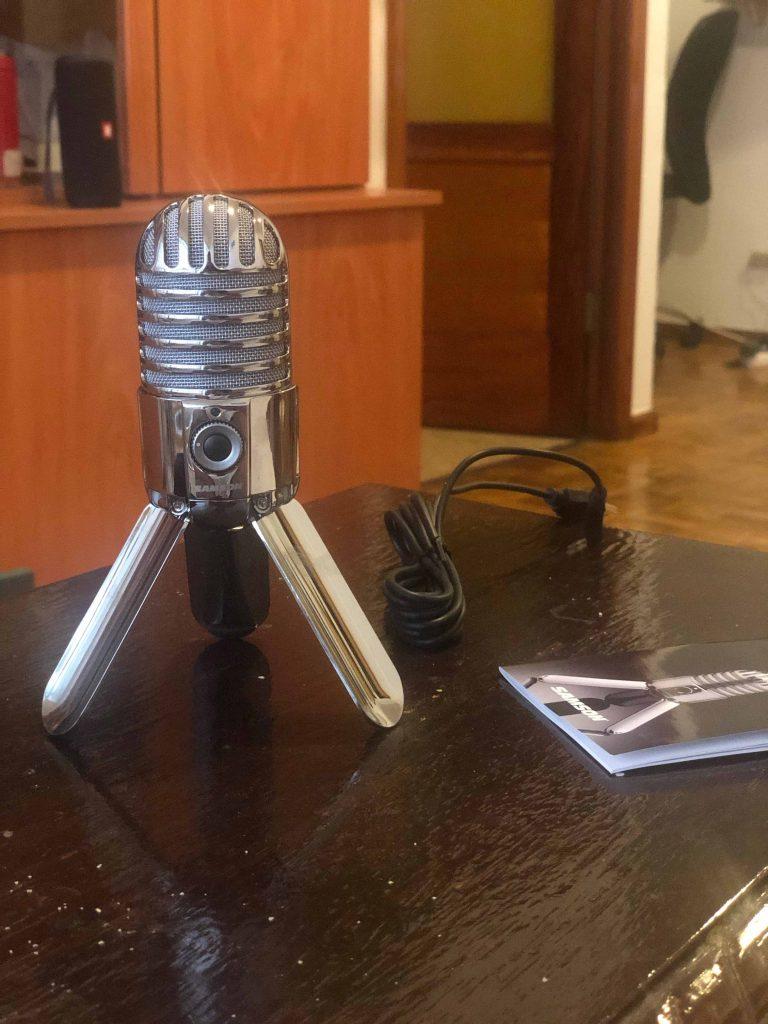 Microfono para grabar el podcast de viajes